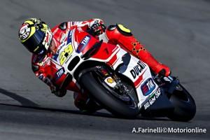 MotoGP Valencia, Prove Libere 3: Iannone al Top, Rossi è secondo