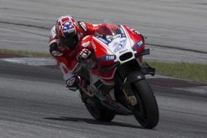 """MotoGP: Valentino Rossi, """"Credo che Stoner voglia correre"""""""