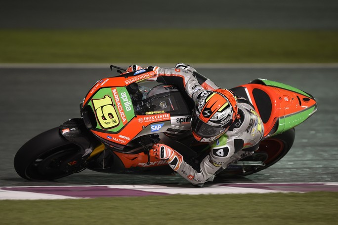 MotoGP Qatar: prima qualifica per la nuova Aprilia, Bautista 16° e Bradl 17°