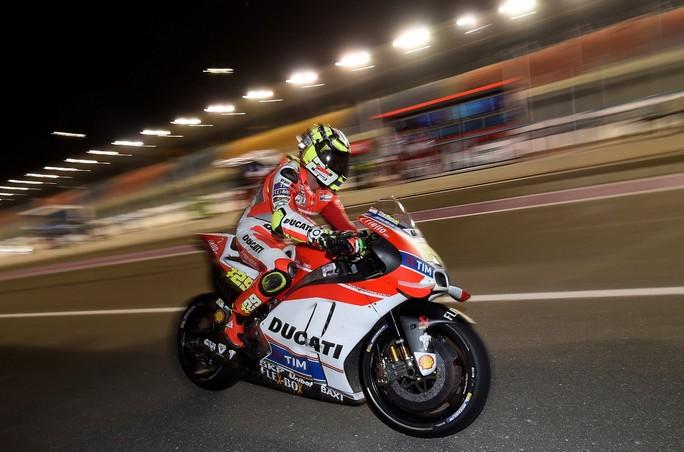 MotoGP Qatar: strepitoso Iannone, primo in entrambe le sessioni