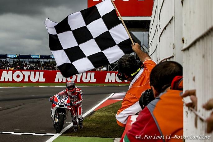 MotoGP: I vertici Ducati parleranno con Iannone e Dovizioso ad Austin