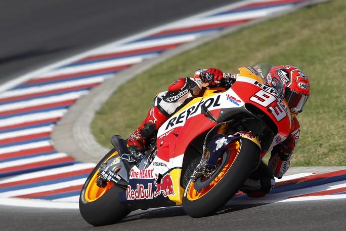 MotoGP Argentina, Prove Libere 3: Marquez davanti a Lorenzo e Iannone, Rossi è decimo