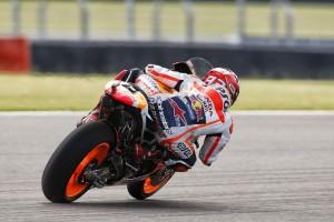 MotoGP Argentina, Qualifiche: Marquez, pole e caduta, Rossi e Lorenzo in prima fila