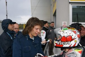 CIV Vallelunga, PreMoto3: Riccardo Rossi vince Gara 2 della 250 e Bulega si complimenta