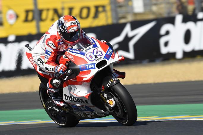 Gp Francia, assolo Lorenzo a Le Mans. Rossi ottimo secondo