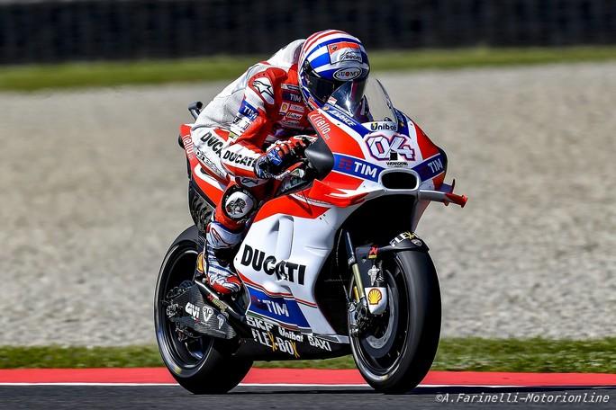 MotoGP: Vince Lorenzo inseguito da Marquez, terzo Iannone, Rossi out