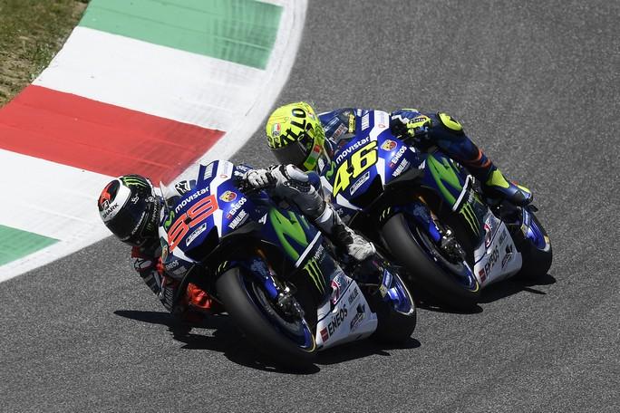 "MotoGP: Lin Jarvis, ""Dispiaciuti per Rossi, ma nessun allarme motori"""