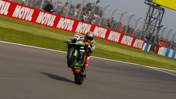 Superbike Donington, Gara 2: Tom Sykes si regala una fantastica doppietta