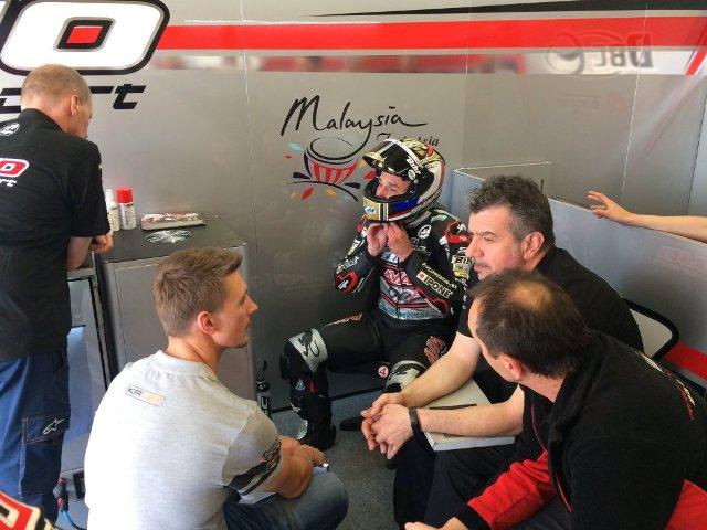 Moto2 Le Mans, Prove Libere 2: Johann Zarco il più veloce sulla pista di casa, ottimo Baldassarri 4°