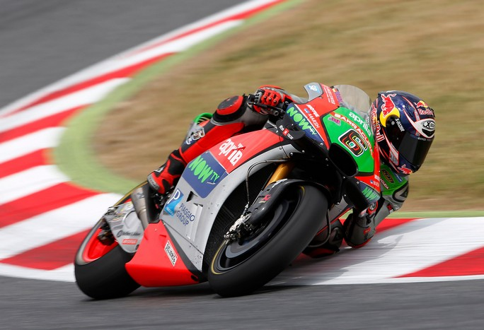 MotoGP test Barcellona: Aprilia in pista per i test a Barcellona