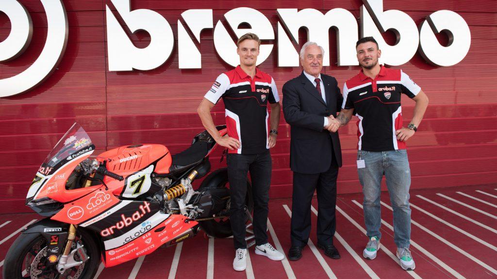 Superbike: Davies e Giugliano in visita alla Brembo