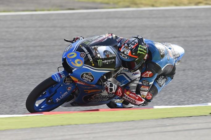 Moto3 Barcellona, Warm Up: Navarro è il più veloce, dominio Honda