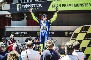 """MotoGP Barcellona: Valentino Rossi, """"Grande duello con Marquez, giusto stringergli la mano"""""""