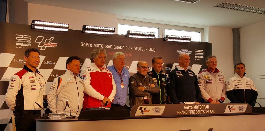 """MotoGP: Carmelo Ezpeleta, """"Penso che sei costruttori siano abbastanza"""""""