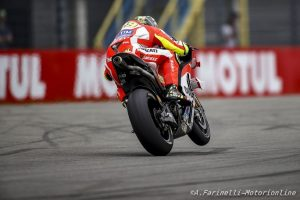MotoGP Sachsenring, FP1: Iannone in testa, meteo protagonista, Lorenzo a terra e Rossi 4°