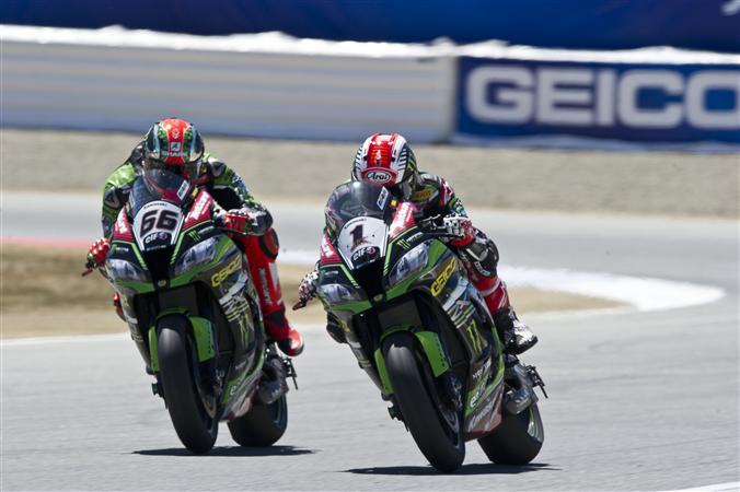 Superbike Laguna Seca, Gara 1: Il Kawasaki Racing Team domina ancora la scena