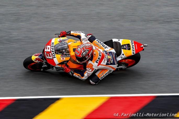 MotoGP Sachsenring, FP3: Marquez davanti a Iannone, Rossi è 4°, Lorenzo fuori dalla Top Ten