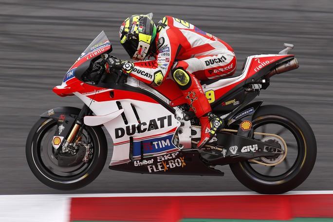 MotoGP Brno, FP1: Iannone è il più veloce, seguono Rossi, Lorenzo