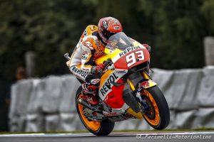 MotoGP Brno: Uno strepitoso Marquez centra la pole, Iannone in prima fila, Rossi è sesto