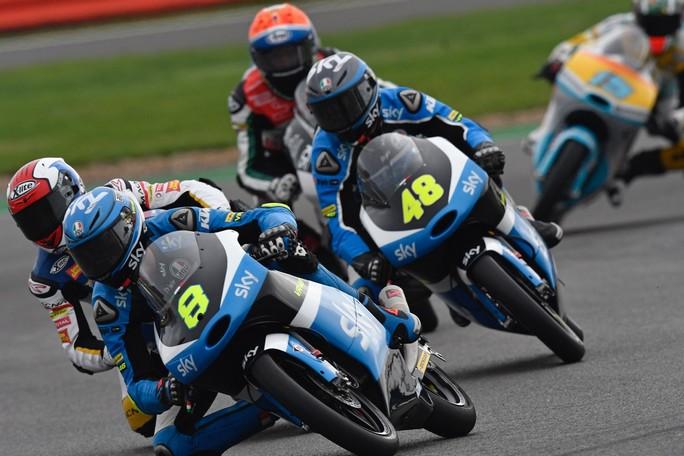 Moto3 Silverstone: Bulega e Dalla Porta nella top-10 sotto il diluvio, Migno 20°