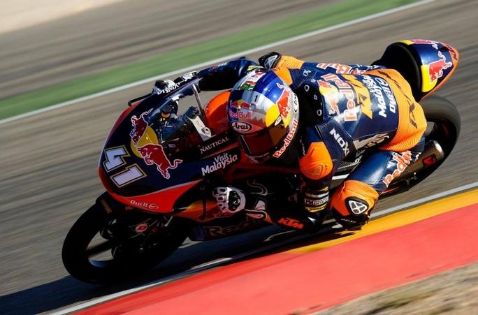 Moto3 Aragon: Vince Navarro, ma Binder è campione del mondo