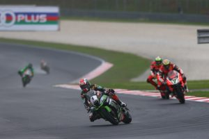 Superbike, Lausitzring, Gara 2: Jonathan Rea trionfa sul bagnato