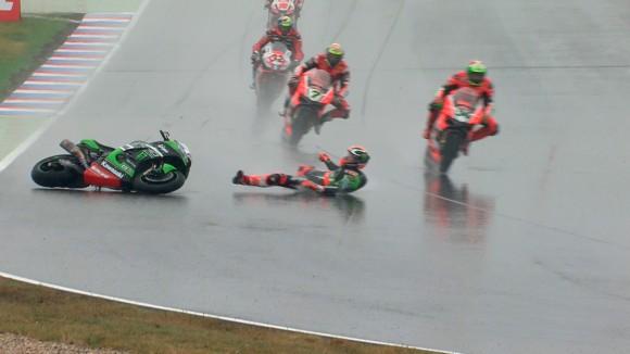 Superbike, Lausitzring, Gara 2: Giornata complicata per Tom Sykes