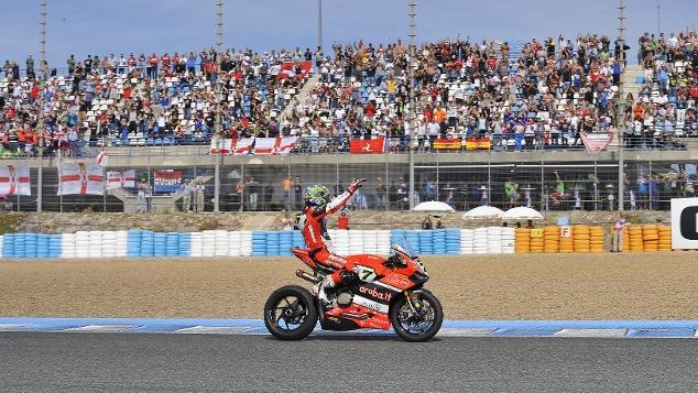 Superbike Jerez, Gara 2: Ducati si gode il trionfo di Chaz Davies