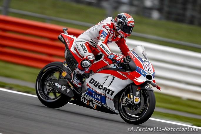 MotoGP Motegi, FP1: Dovizioso porta la Ducati in vetta, Rossi è quarto