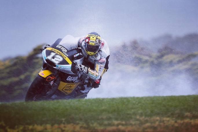 Moto2 Sepang, FP1: Luthi primo sotto la pioggia malese, Pasini è sesto