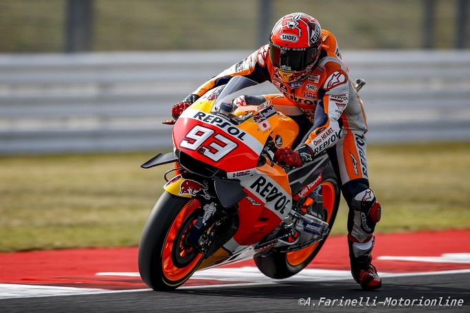 MotoGP Sepang, FP1: Marquez è il più veloce, Iannone 4° davanti a Rossi