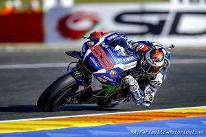 MotoGP Valencia: Pole stratosferica di Lorenzo, Rossi in prima fila