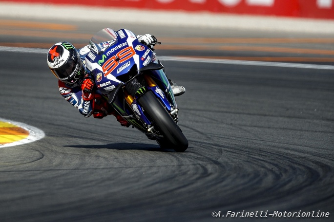 MotoGP Valencia: Domina Lorenzo, uno stoico Iannone sul podio