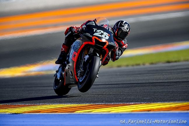 MotoGP Test Valencia Day 2: Vinales sale sulla Yamaha e vola, bene Dovizioso 3°