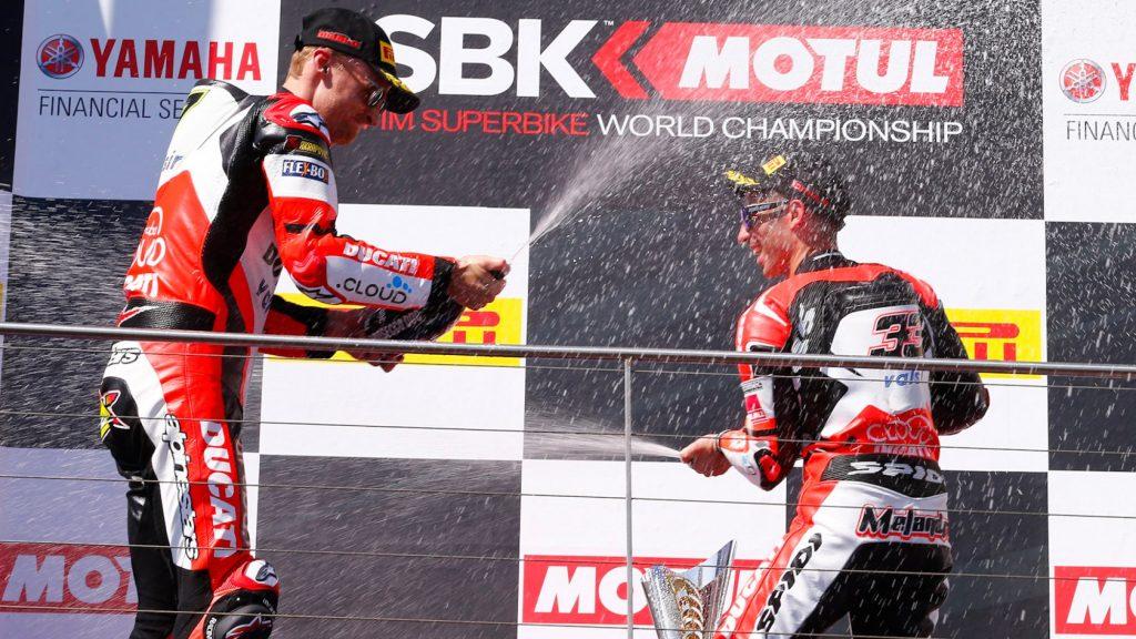 Superbike, Round Phillip Island, Gara2: Davies e Melandri entrambi a podio