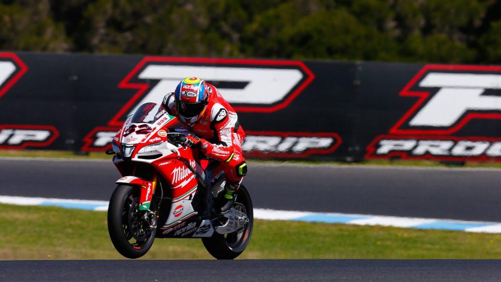 Superbike, Round Phillip Island, Gara2: fine settimana complicato per Savadori