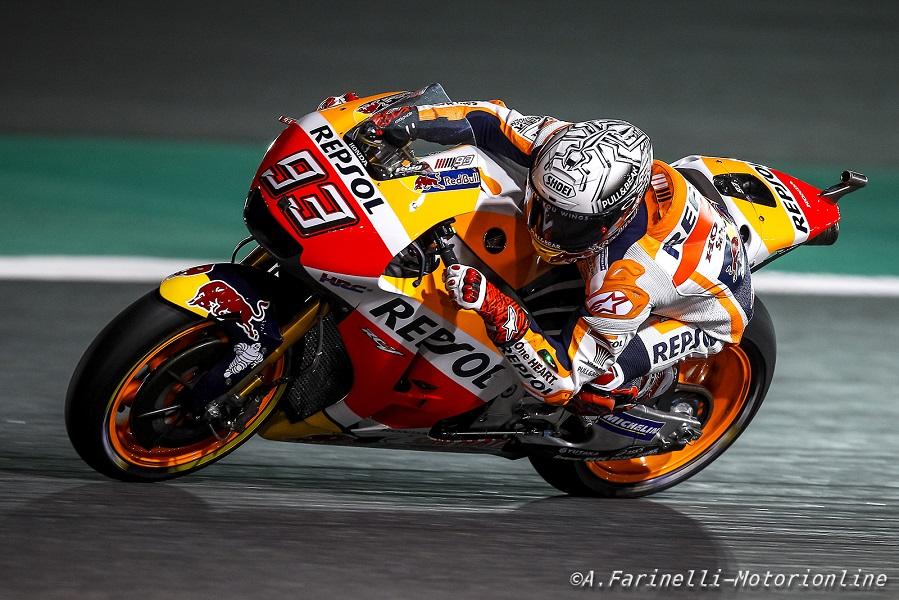 MotoGP Qatar Warm Up: Marquez detta il passo, Rossi in crisi