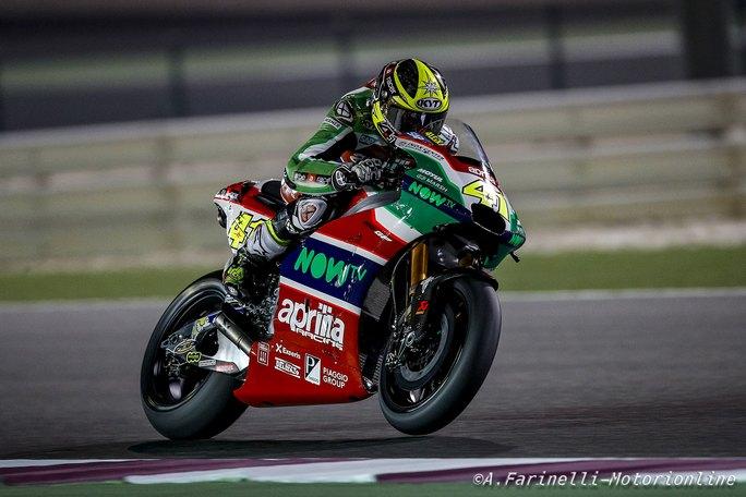 MotoGP Test Qatar Day 2: Aleix Espargarò porta l'Aprilia al 5° posto