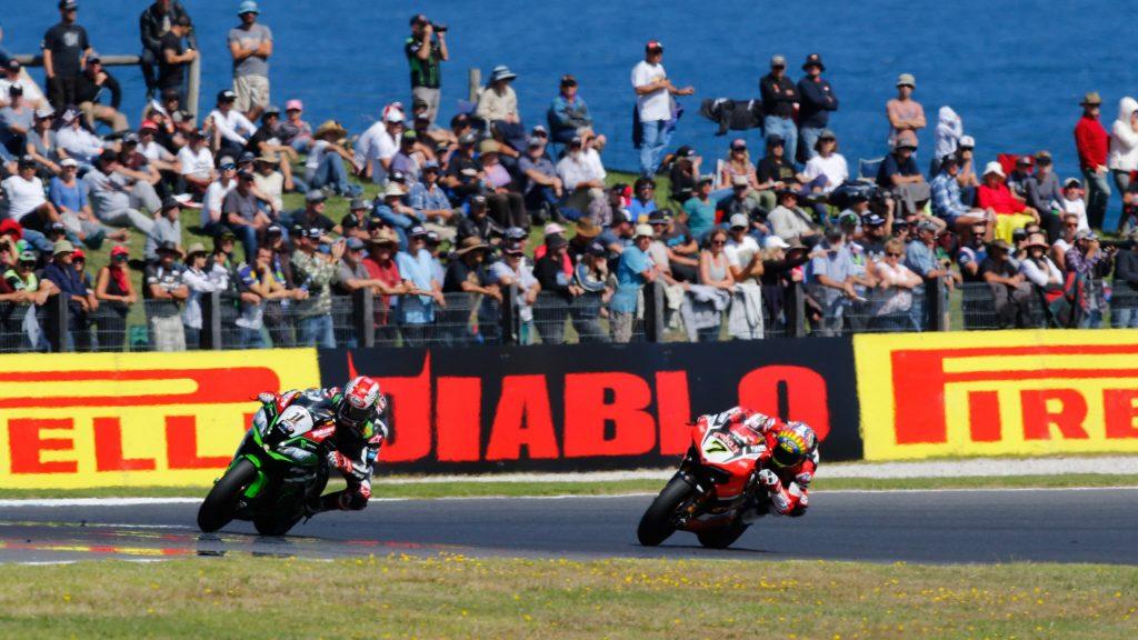 Superbike, Round Thailandia: Jonathan Rea prova a scappare