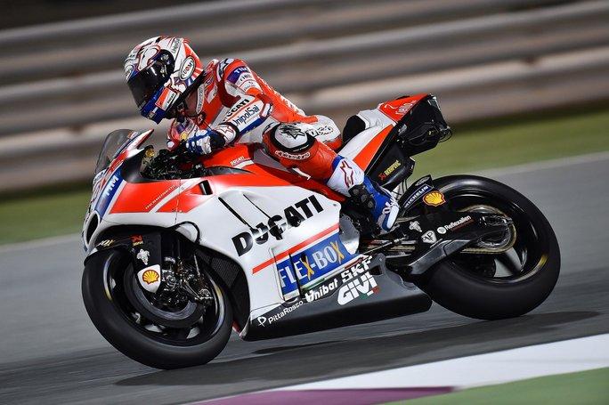 MotoGP Test Qatar Day 1: Dovizioso domina la prima giornata, Rossi 7°, Marquez in difficoltà 12°