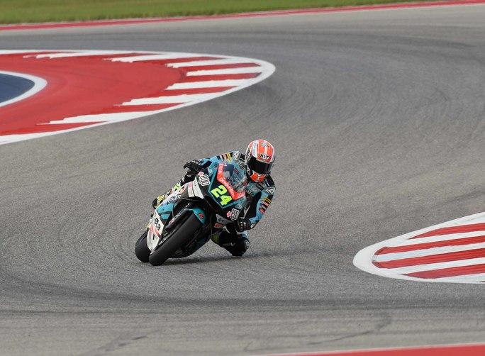 Moto2|Stati Uniti: buon settimo posto per Corsi, migliora Bassani