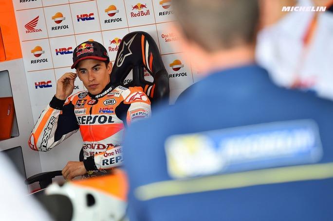 MotoGP Argentina, FP4: Marquez il più veloce sul bagnato, Rossi ancora indietro