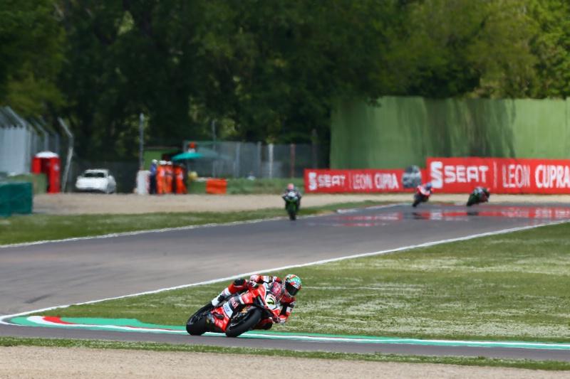 Superbike, Motul Italian Round, Gara 2: Davies completa una doppietta straordinaria