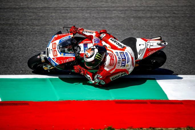 """MotoGP Mugello: Jorge Lorenzo 10°, """"Con il pneumatico nuovo non siamo veloci come vorremmo"""""""