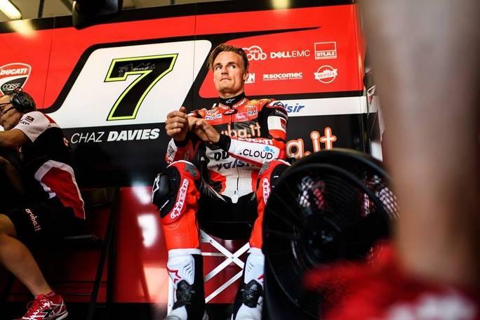 Superbike Misano: Trauma toracico, Chaz Davies portato all'ospedale a Rimini