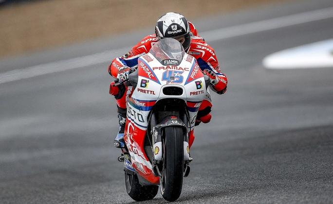 MotoGp, Assen: Redding davanti sul bagnato, Rossi secondo