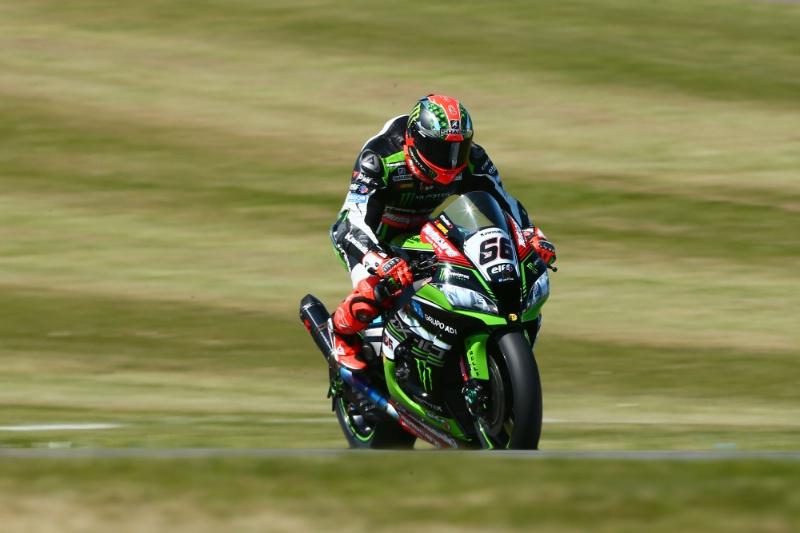 Superbike, Pirelli Riviera di Rimini Round FP1: miglior crono per Tom Sykes