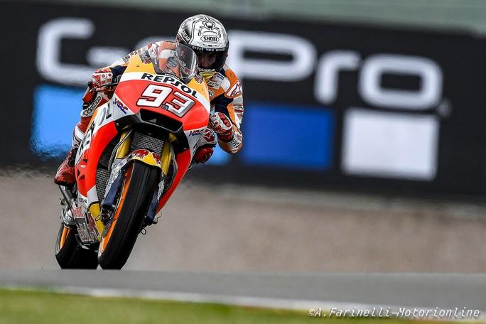 MotoGP Sachsenring: Pole position per Marc Marquez, Petrucci ancora in prima fila