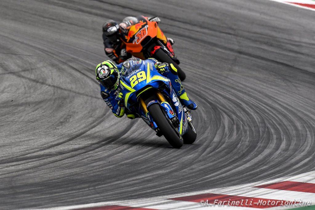 MotoGP Warm up Silverstone, svetta Iannone. Paura Folger, Marquez 2°