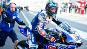 Superbike: Alex Lowes rinnova con Yamaha